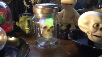 Gemmy Animated Spare Skull In Jar