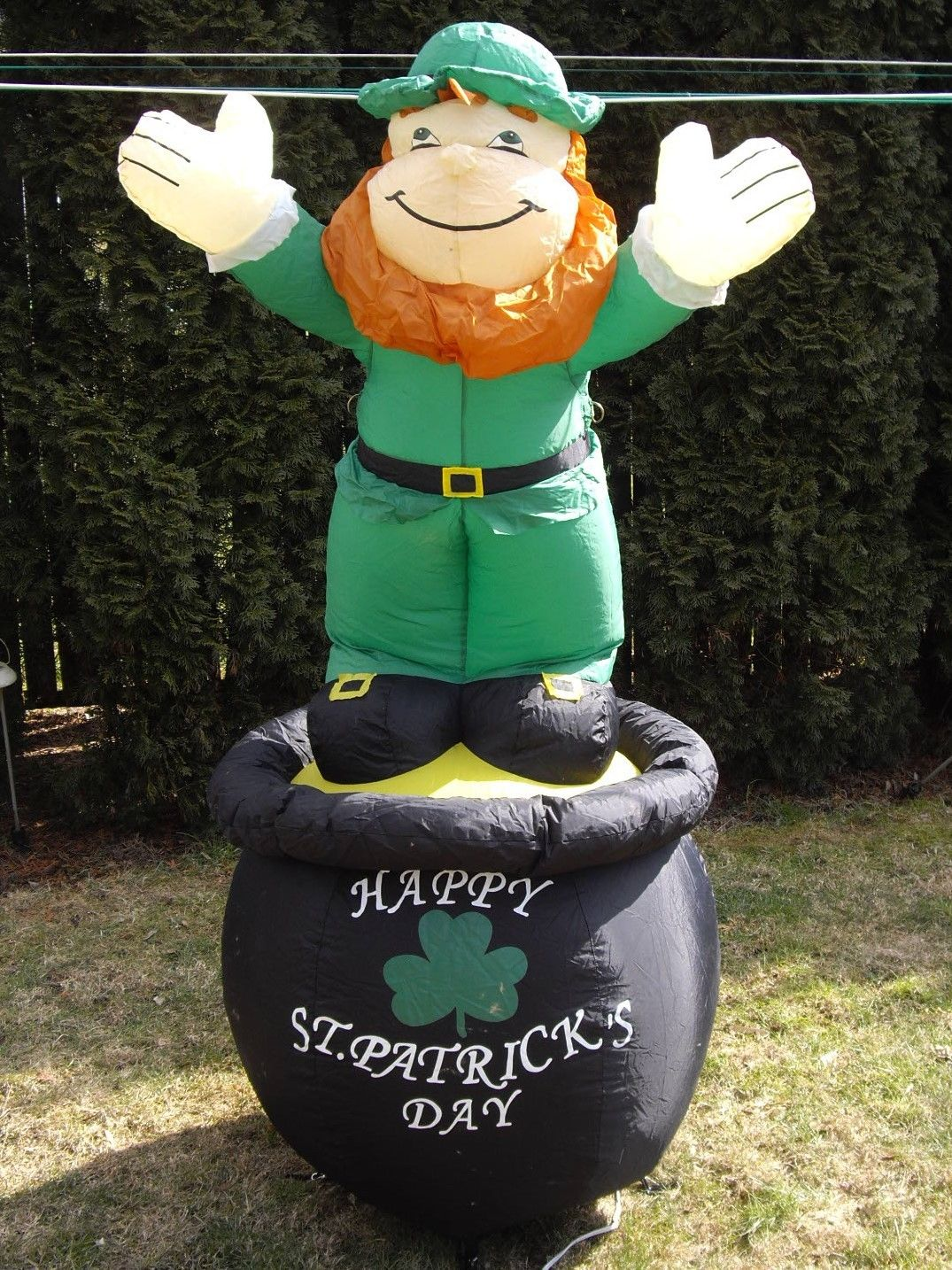 image st patrick u0027s day gemmy airblown leprechaun on pot of gold
