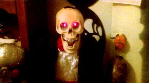 Gemmy 1998 Animated talking skeleton