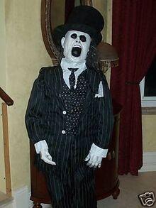 The-ghastley-groom-animated-halloween-prop-gemmy 1 00e3639da1fb088d3ff3481bfc174337