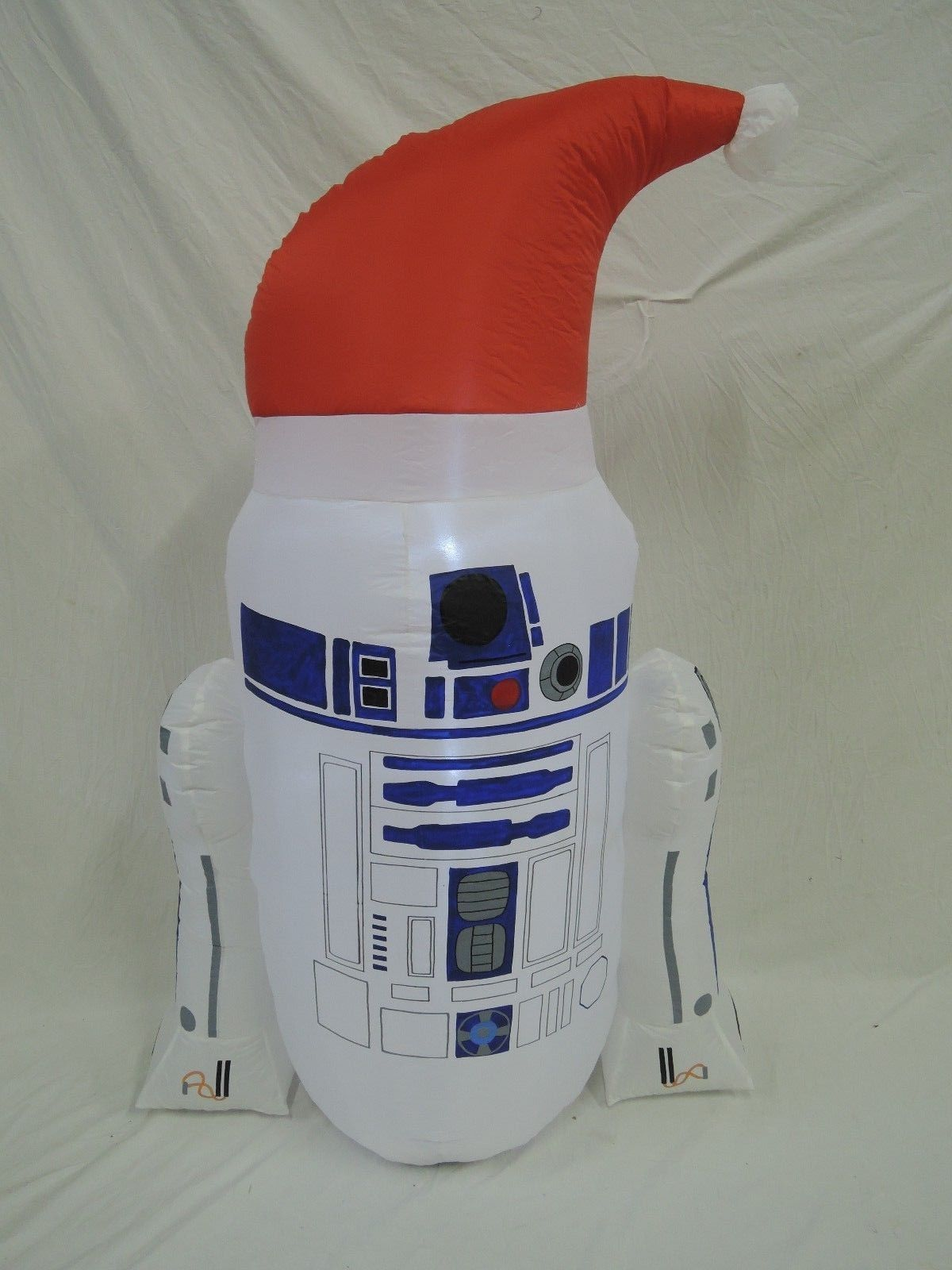 gemmy inflatable christmas r2d2 from star warsjpg