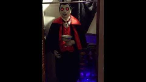 Spirit EXCLUSIVE 2006 6 Foot Animated Vampire- Count Vigor