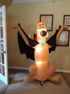 Gemmy inflatable Scooby Doo as vampire