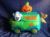 Gemmy inflatable halloween scooby doo mystery machine scene