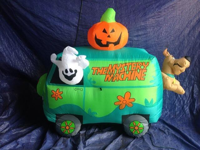 filegemmy inflatable halloween scooby doo mystery machine scenejpg