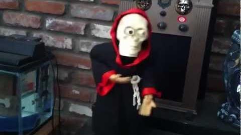 Vintage Gemmy Head-Losing Skeleton (Halloween Decoration)