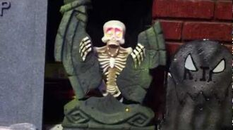 "Rare Gemmy ""Tombstone-Splitting Skeleton"" Halloween Prop"