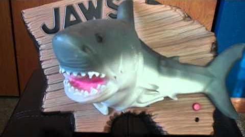 ***JAWS SINGING SHARK*** (Singing Shark)