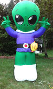 Inflatable 8' Alien ET Airblown Gemmy 2003 Blow Up Prototype Giving Peace Sign