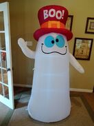 Gemmy Inflatable silly ghost with top hat