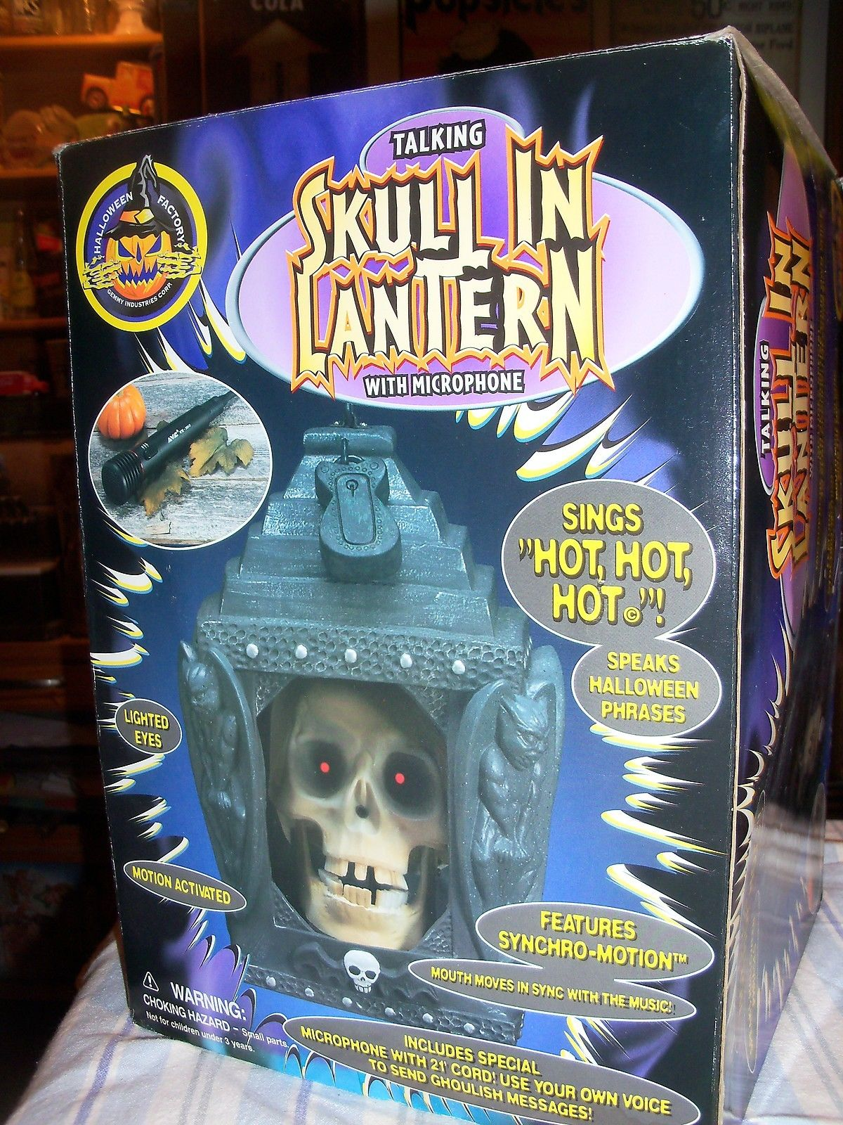 halloween factory gemmy talking skull in lantern with microphone decoration - Talking Skull Halloween