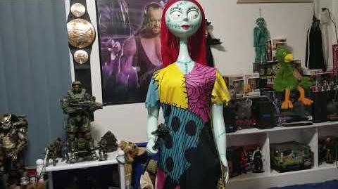 """Gemmy Life-Size Animated """"Nightmare Before Christmas"""" Sally (2018) Review"""