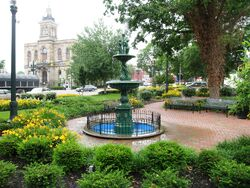 Town square of Lisbon, Ohio and Columbiana County courthouse