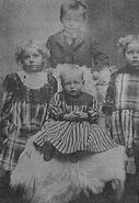 Ole Anderson (1852-1932) and children1