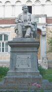 Statuia lui Gheorghe Asachi din Iaşi2