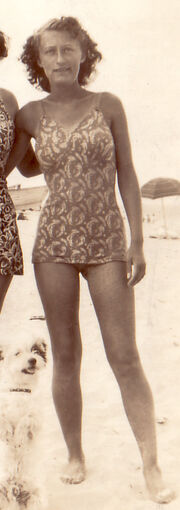 Selma Louise Freudenberg (1921-2009) in Point Pleasant, New Jersey in 1939