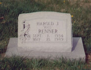Hats-Renner-Grave-Stone