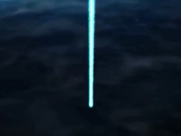 Rayo azul cayendo a la tierra