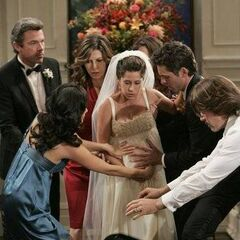 Robin goes into labor at her first wedding