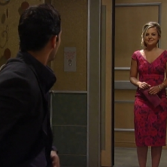 Maxie shows up for the date just as Nathan is about to leave