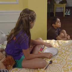 Spencer hides in Josslyn's room