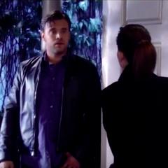 Jason and Elizabeth run into each other at Scrubs wedding