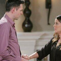 Robin tells Patrick she's leaving