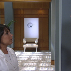 Patrick finds Robin at the clinic