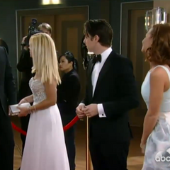 Nathan/Maxie and Spinelli/Ellie on the red carpet