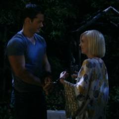 Nathan cuffs himself to Maxie