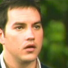 Nikolas finds out from Robin that he's Spencer's father