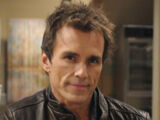 Steve Webber (Scott Reeves)