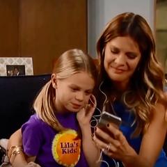 Charlotte and Nina listen to Valentin's message