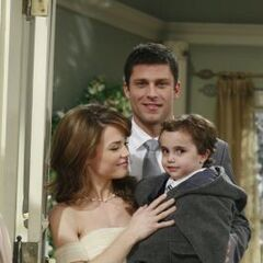 Lucky reweds Elizabeth Webber, with son Cameron