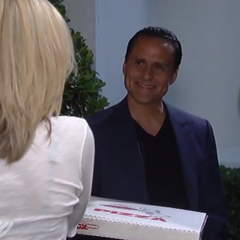 Sonny delivers Carly's pizza (2014)