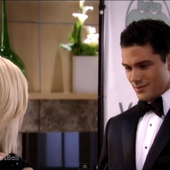 Nathan tells Maxie that she looks stunning