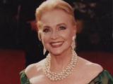 Amanda Barrington (Anne Jeffreys)