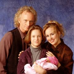 Luke and Laura with children Lucky and Lulu