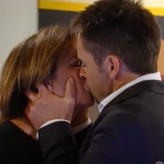 Julian and Alexis kiss
