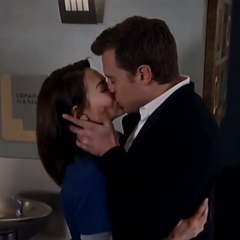 Kissing after Liz refuses to let him end their relationship
