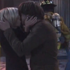 Maxie kisses Spinelli after the hospital fire