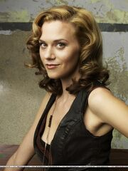 One-Tree-Hill-Season-5-Photoshoot-3-hilarie-burton-4831462-1078-1438