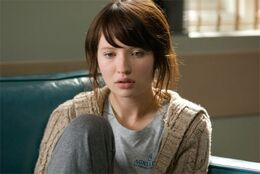 Emily browning 1236183860
