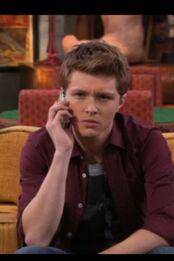 Sterling-knight-phone-chad-dylan-cooper-sterling-knight-18157896-320-480