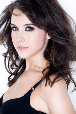 Lacey Chabert Profile