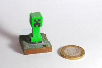 Tiny Creeper Statue