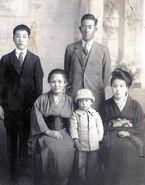Chiyo-Miyako-family