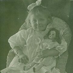Stella Lennox as a young child