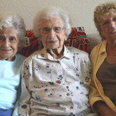 Elsie Martin at age 107, with her Judy Priami (aged 85) and Shirley Hollyer (aged 78).