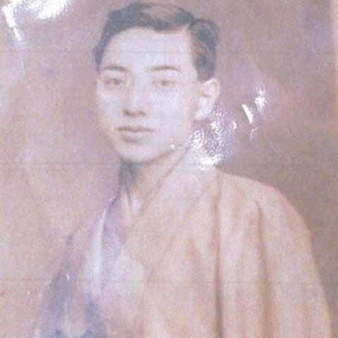 Yasutaro Koide as a young man.